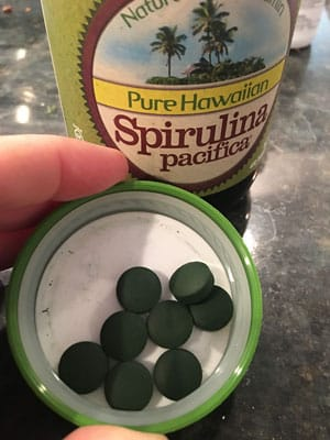 Healthy airport traveling tips - spirulina